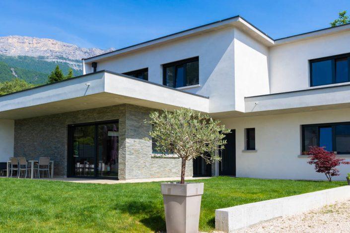 RESIDENCES maison blanc et pierres