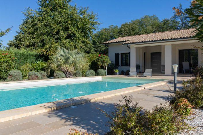 RESIDENCES maison extérieur piscine