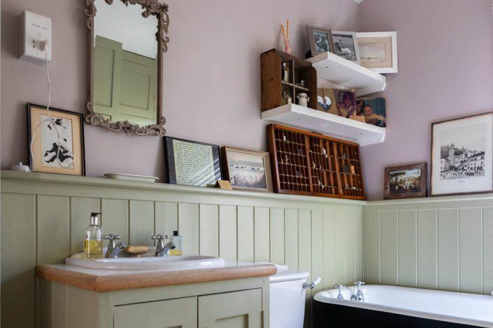 RESIDENCES salle de bain vert anis